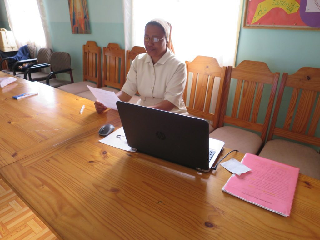 img_2284-soavimbahoaka-antananarivo-sr-marthe-responsable-de-la-communaute