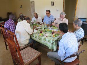 Kaedi - les prêtres et les soeurs, un médecin, un chauffeur