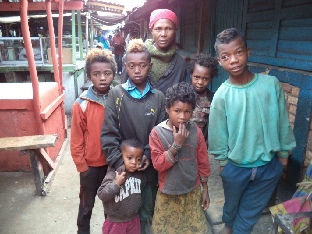 Famille très pauvre d'Antsirabe