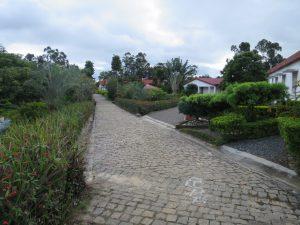 Moramanga - bâtiments hospitaliers noyés dans la verdure
