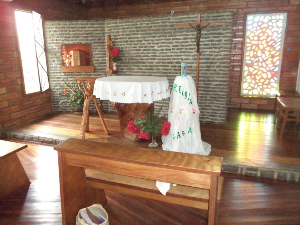 Fiana-manantenasoa : chapelle de la communauté
