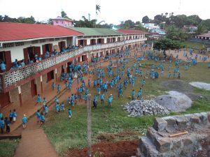 Vue sur l'école primaire -Vangaindrano