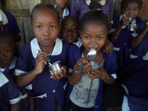 Quel délice ce yaourt pendant la récréation - Farafangana