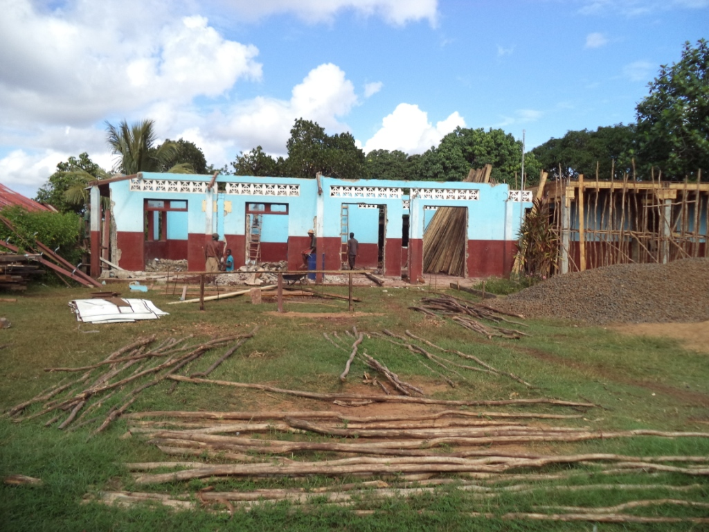 Construction de 2 salles de classe à l'étage - Tangainony