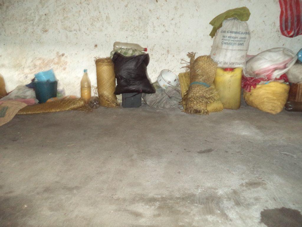 Mananajary - le béton comme matelas pour les prisonniers