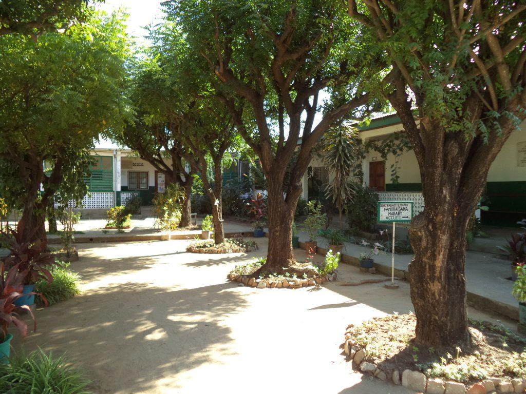 Manantenana - magifique verdure entourant le dispensaire