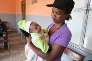 Tanjombato, Jeune maman en consultation avec son bébé