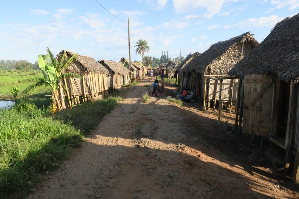 Mananjary-maisons de pauvres