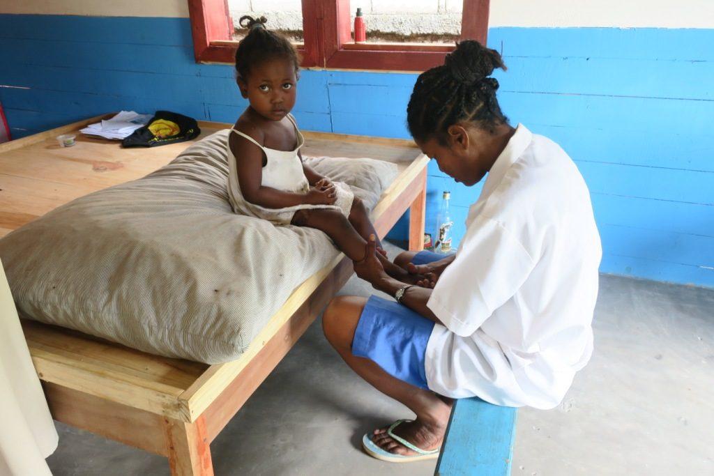 ananjary-Ambatolambo-physiothérapeute engagée au centre de rééducation.