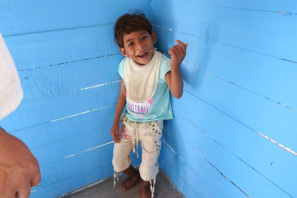 Mananjary-Ambatolambo-un petit patient du centre de rééducation