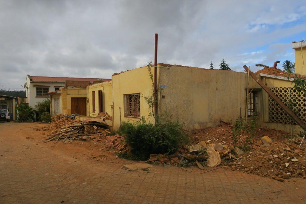 Fianarantsoa - la maison des soeurs en restauration