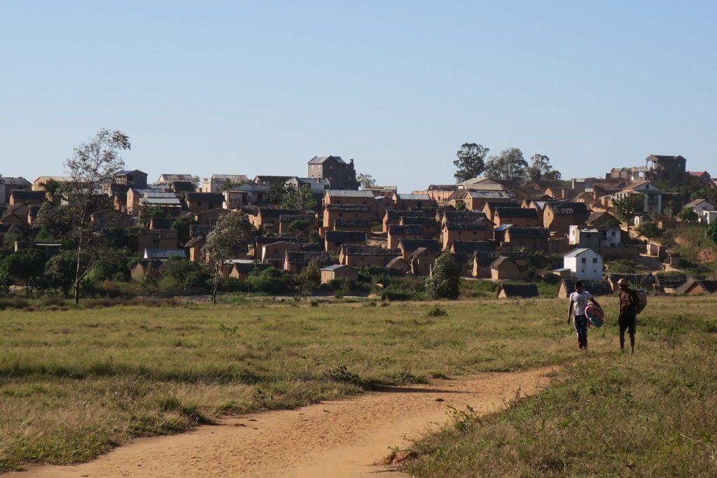 ambalanirana-village d'environ 7000 habitants