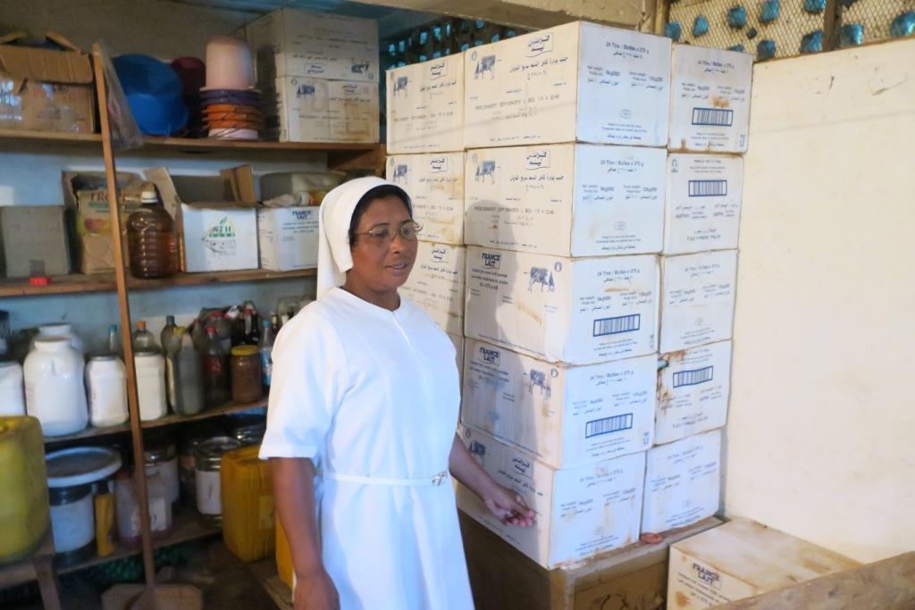 Antsalova-soeur lucienne et le précieux lait RES
