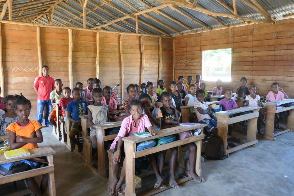 Tandokosy - salle de classe en bois construite par Coup de pouce